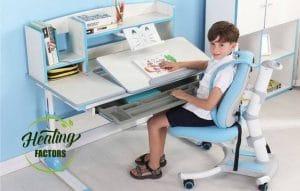 ลูกน้อย โต๊ะเขียนหนังสือเด็ก